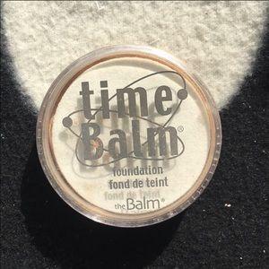 TheBalm timebomb foundation